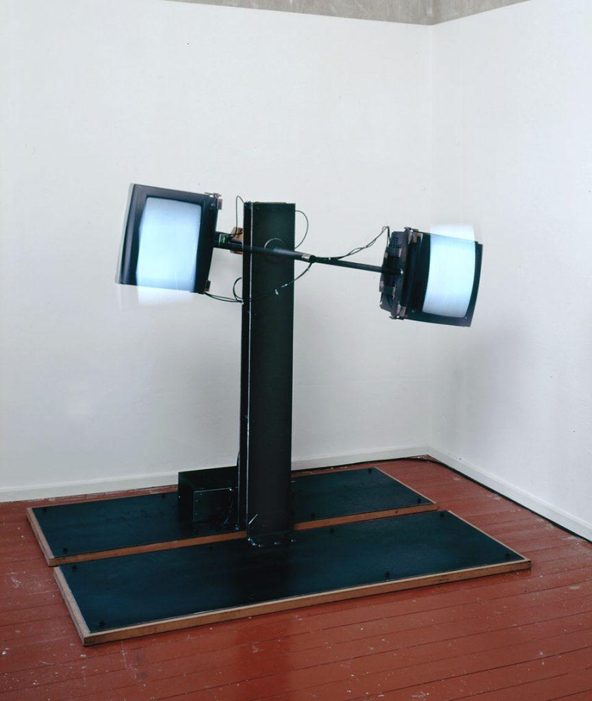 glasen, video sculpture, moving